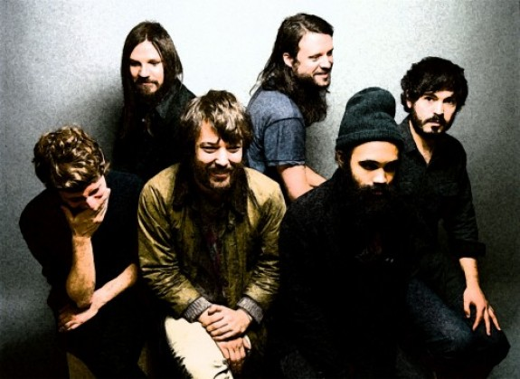Fleet foxes sing tlc rihanna vampire weekend