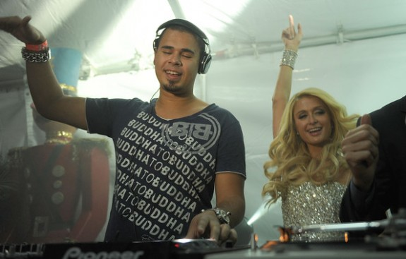 DJ+Afrojack+Paris+Hilton+Throws+Christmas+XmCI2vYC5lwl